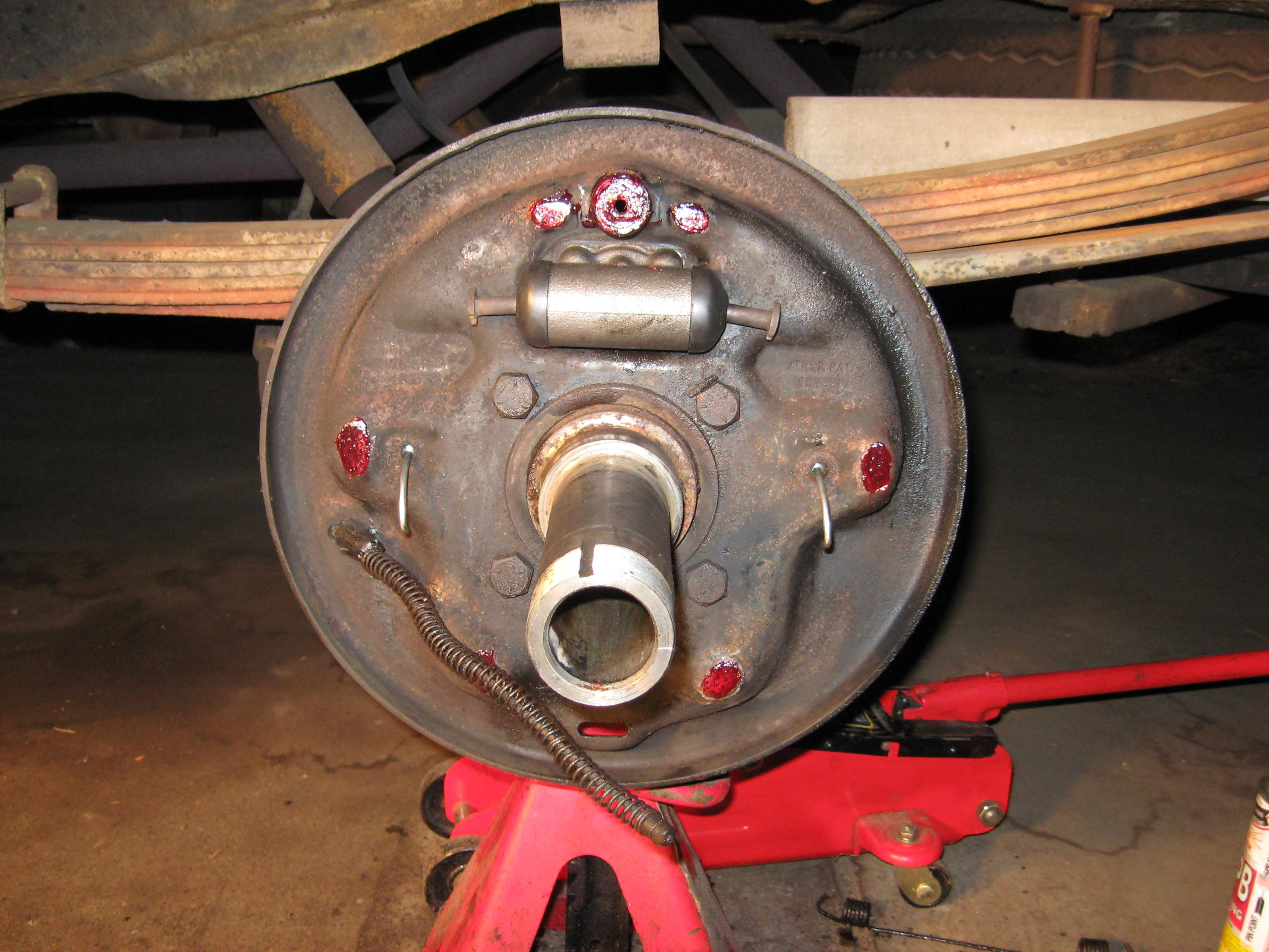 Dana 60 70 Rear Drums Drum Brake Diagram Brakes P Now Take The Old Shoe And Remove Cable Guide Drive Adjuster Lever Shaft Out With Your Hammer A Socket Extension Transfer These To